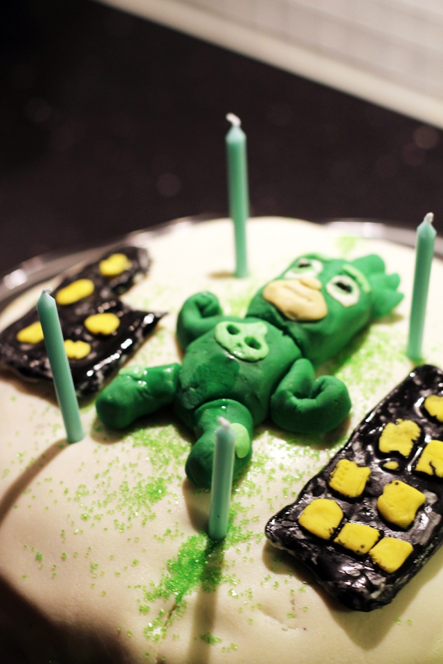 pyjasmashjältarna-tårta